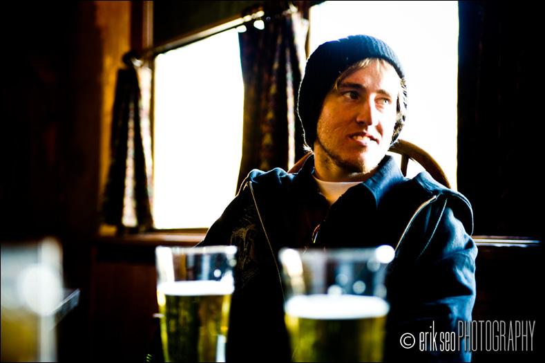 Tom, dark bar, beer